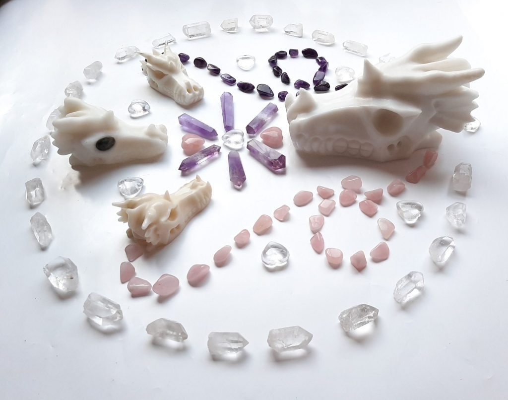 Crystal grid for trust, clarity & divine light within - lightseekers-academy.com